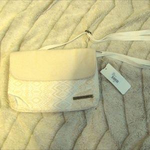 Handbags - NEW NWT Dakine Jaime Purse Women Girls Cream